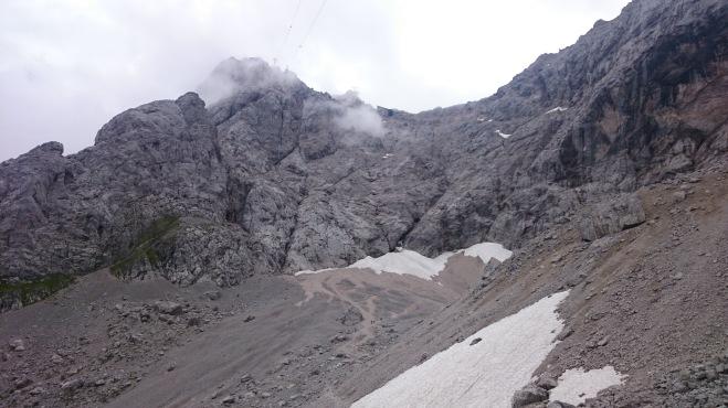 Blick von der Hütte zum Klettersteig